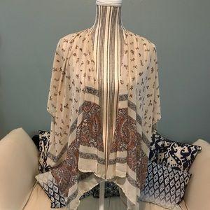 Audrey Kimono tan small Flowers🐼🐼🐼